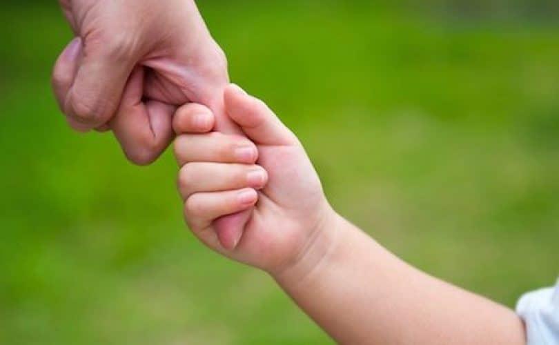Cara Mendidik Anak dengan Cinta yang Tulus